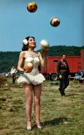 Performer-Lottie-Brunn-1949